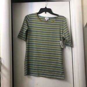 LuLaRoe Gigi shirt